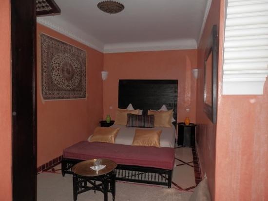 Palais Riad Calipau Marrakech : bedroom