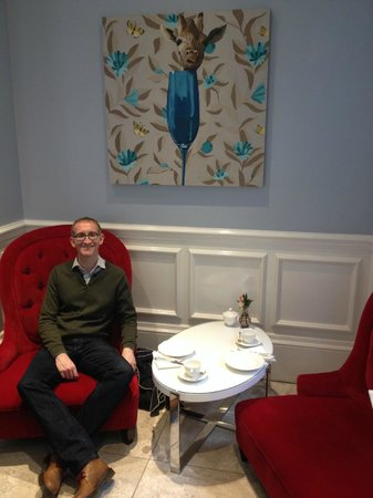 The Ampersand Hotel : Chelsea flower show Afternoon Tea,  Drawing Room, Ampersand Hotel