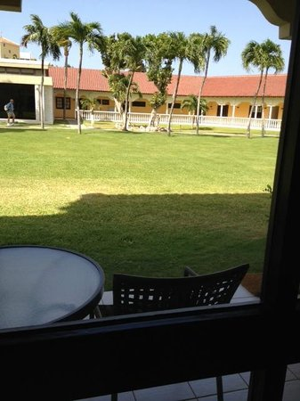 Bucuti & Tara Beach Resort Aruba: Patio outside room