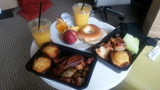 Hyatt Regency Jersey City: Breakfast Buffet