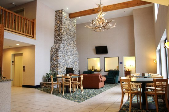 Beachfront Hotel Houghton Lake Michigan: Lobby