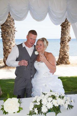 Louis Phaethon Beach : wedding
