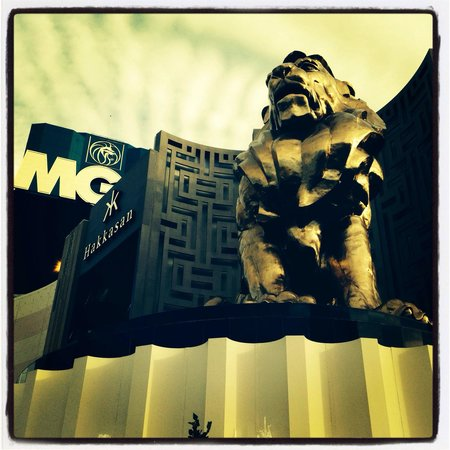 MGM Grand Hotel and Casino : The outside of hotel