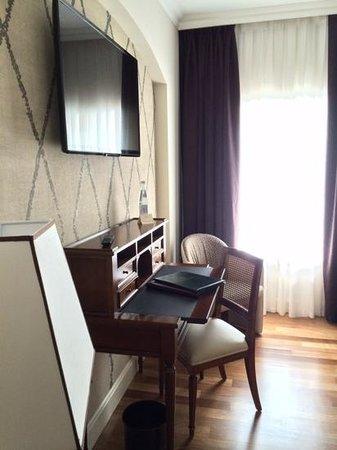 Grand Hotel Des Arts: 402