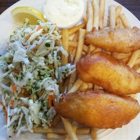 Crab Cakes Restaurant: The best fish and chips....