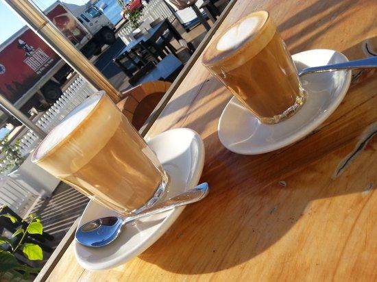 1904 Cafe Mangonui: Latte & Piccalo