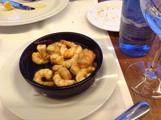 Fosbury Café : Shrimps with garlic. Yummy!