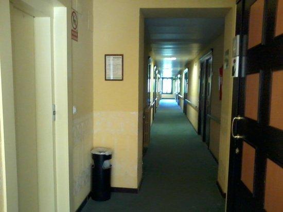 Balneario Seron: Pasillo a las habitaciones