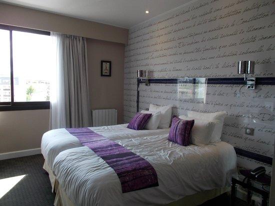 Qualys-Hotel Rueil La Défense : Bedroom