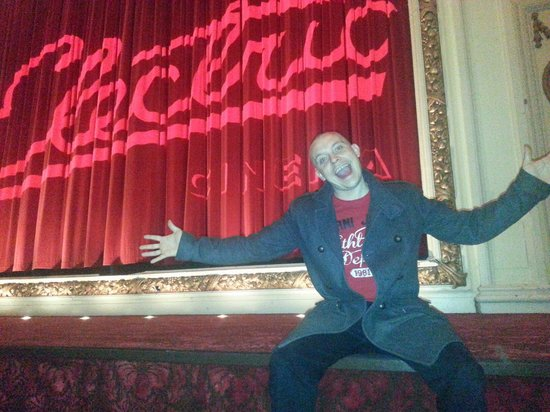 Electric Cinema : Love it screen plus curtain