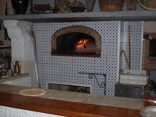 "Sorriso Thermae Resort & Spa: Здесь готовят пиццу_Ресторан ""Огненная земля"""