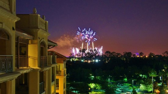 Wyndham Bonnet Creek Resort: View of Epcot's fireworks (9pm)