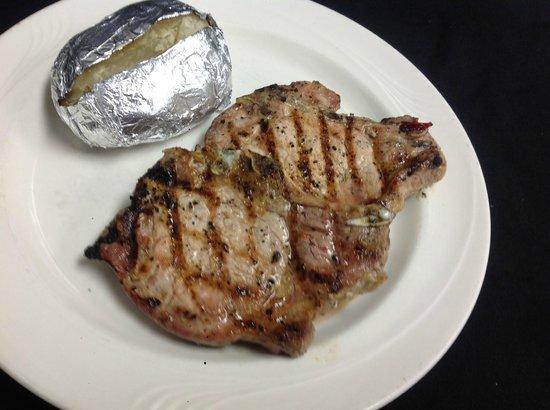 John & Nick's Prime Rib & Steakhouse: Pork Chops