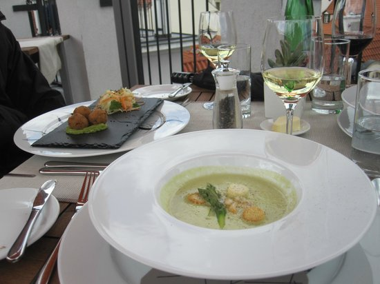 Coda Restaurant - Tuna balls and soup
