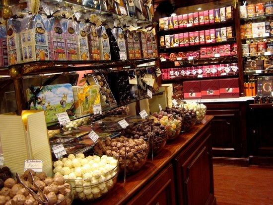 Les Galeries Royales Saint-Hubert : Бутик шоколада в глерея Убер