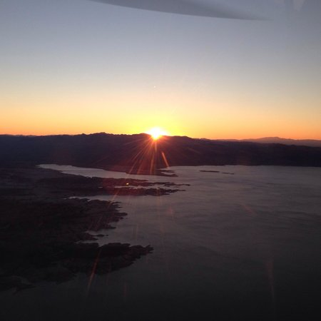 Sundance Helicopters : Sun setting on our flight back