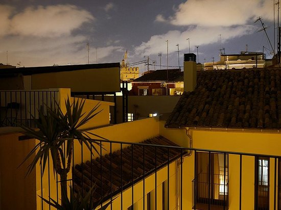 Valenciaflats Catedral: ночной вид с террасы на запад