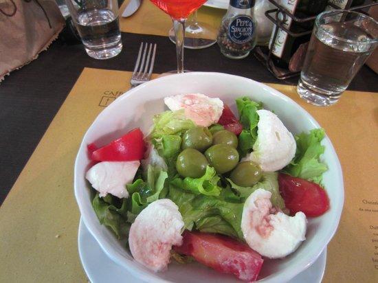 Osteria Caffe Amaro: Caprese Salad