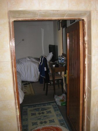 Gerdis Evi: La porta che separa il bagno dalla camera