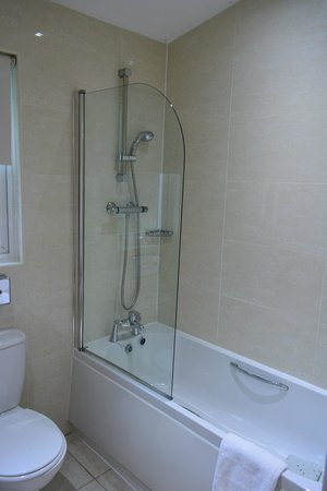 Pine Lake Resort: Second bathroom