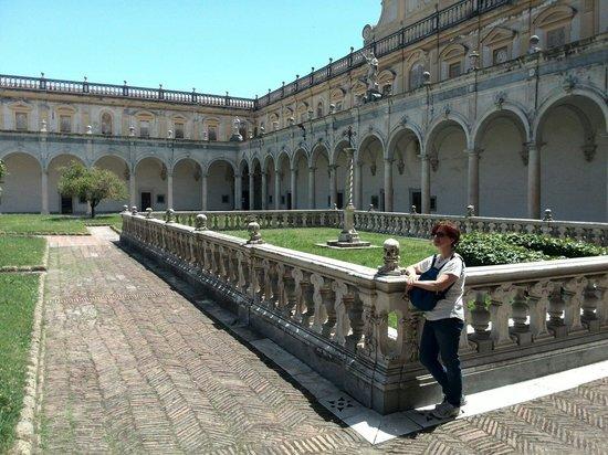 Certosa e Museo di San Martino Napoli: Chiostro grande