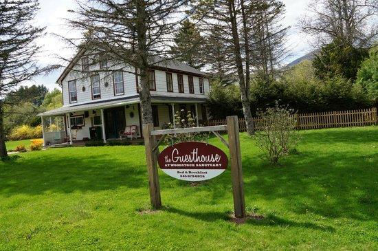 Woodstock Farm Sanctuary : The Guesthouse Inn