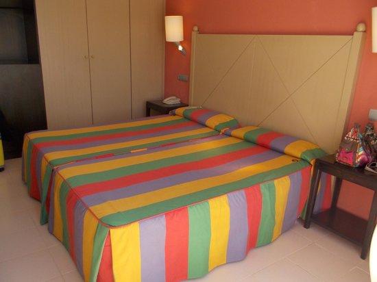 Blau Punta Reina Resort: Zimmer