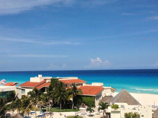 Grand Park Royal Cancun Caribe: Vista do quarto