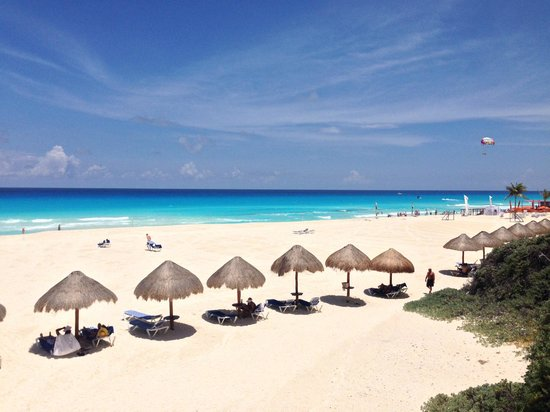 Grand Park Royal Cancun Caribe: Praia