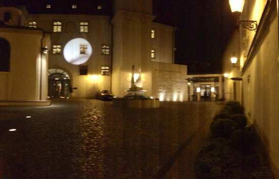 Augustine, a Luxury Collection Hotel, Prague: Driveway of The Augustine Hotel