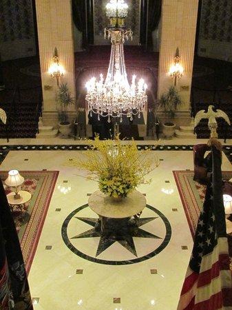 The Roosevelt Hotel : Lobby espectacular araña