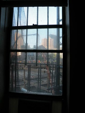 New York Inn: View from our window on construction site
