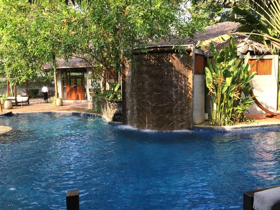 Villa Samadhi : Pool & Restaurant