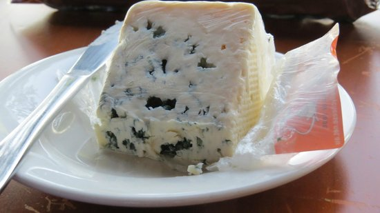 Hunter Valley Resort: smelly local cheese