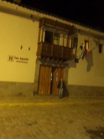 San Agustin International Hotel: La entrada