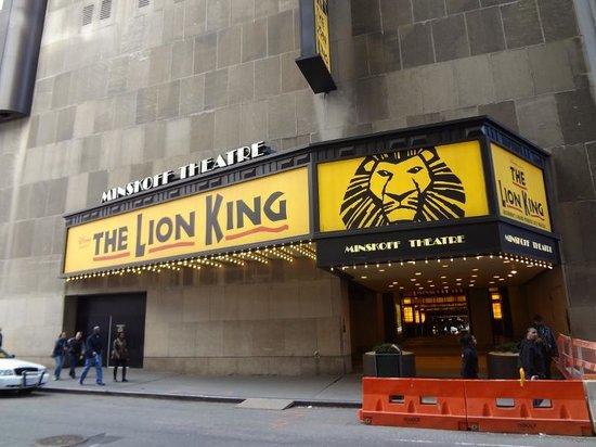 The Lion King: Fachada do teatro