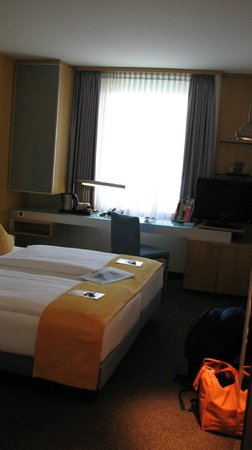 Mercure Hotel Duesseldorf City Nord: Comfortable, modern room