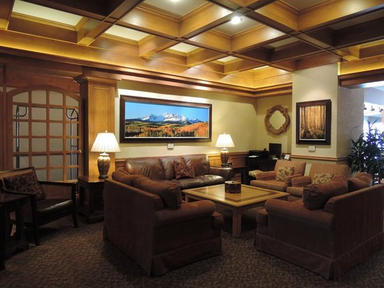 Sitzmark Lodge at Vail: Lobby Area