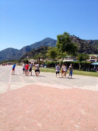 Montebello Resort: View of the beach