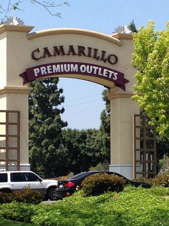 With year-round near-perfect weather, Camarillo is especially attractive to visitors who delight in the warm California climate. Picturesque agricultural vistas and cool ocean breezes set the backdrop for a charming old town downtown.