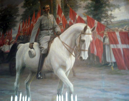 Royal Palace: Painting showing a Royal on his horse