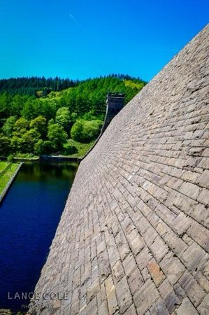 Derwent Dam: side view