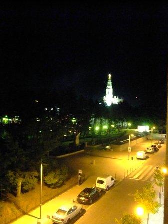 Hotel Estrela de Fatima: Vista do Quarto, à Noite