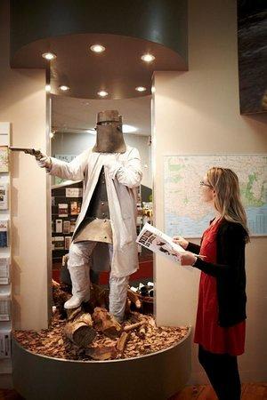 Wangaratta Visitor Information Centre Exhibition: Ned Kelly statue