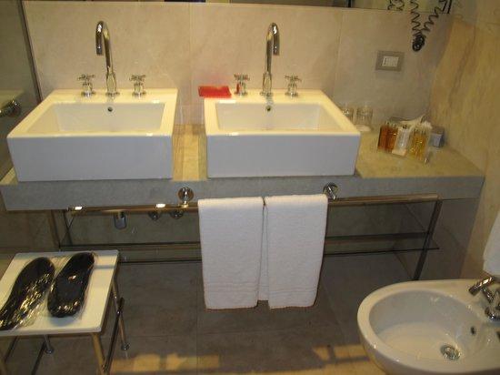 Ca' Nigra Lagoon Resort : Toilet