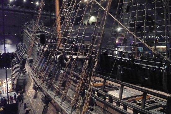 Vasa-Museum: The Galleon ropes