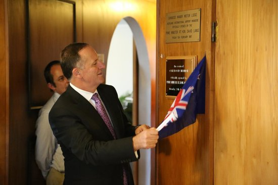 Oakwood Manor : NZ's Prime Minister John Key officially opens the revived Oakwood
