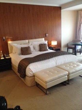 Sofitel Queenstown Hotel & Spa: room