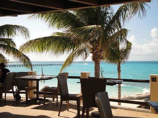 Grand Fiesta Americana Coral Beach Cancun : View from Isla Contoy restaurant