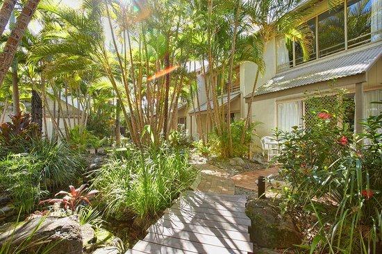 Islander Noosa Resort : Resort Grounds and Gardens